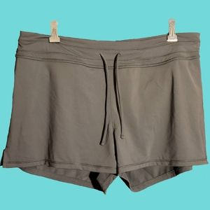 Athleta Shorts - Athleta Gray Lahaina Short Size M With Pockets